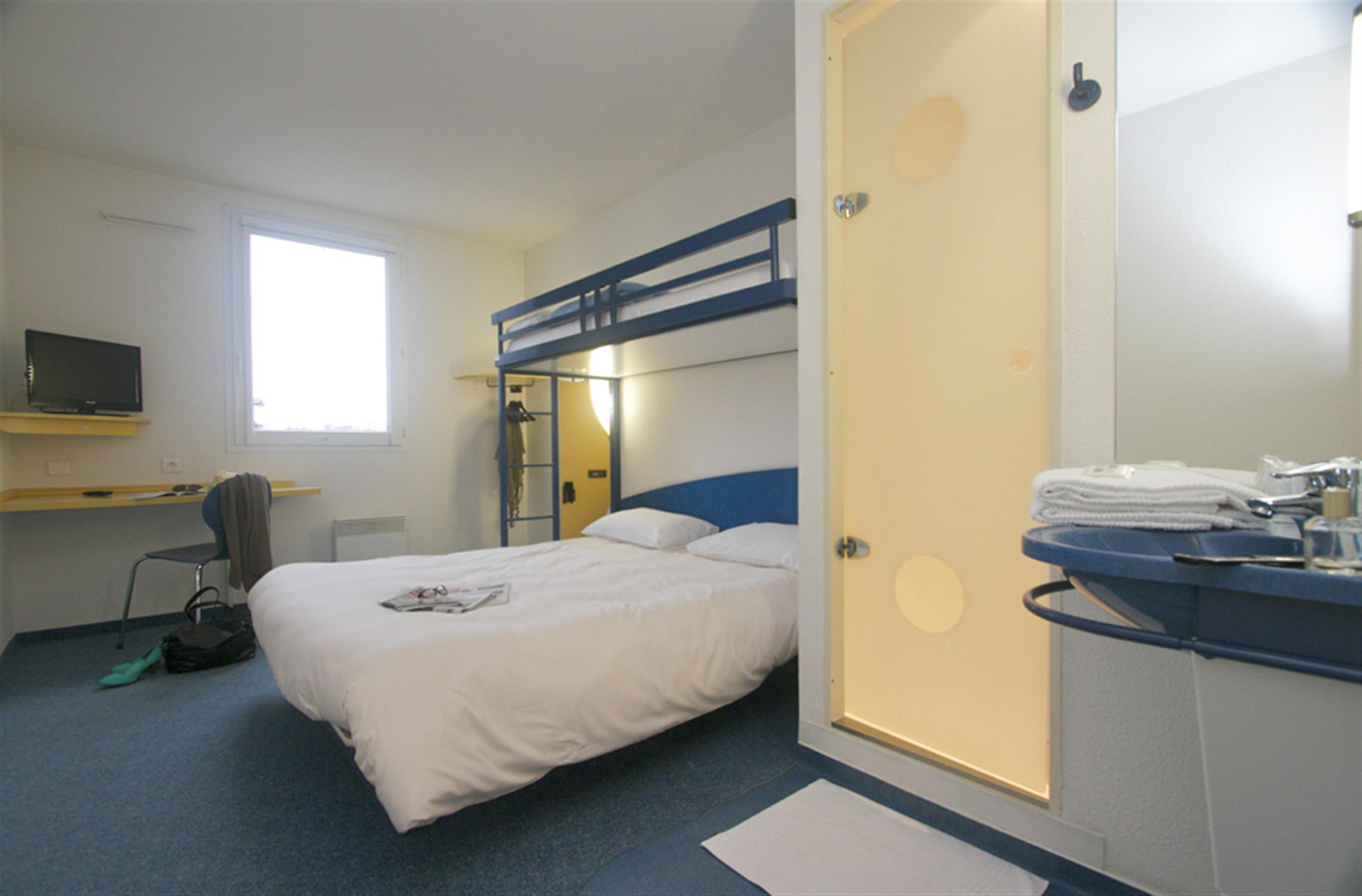 Chambre 1 2 ou 3 pers chambres d 39 hotel prix budget for Prix chambre ibis